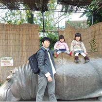 天王寺動物園です。今更ですが、かばに乗ってもよかったのかな?