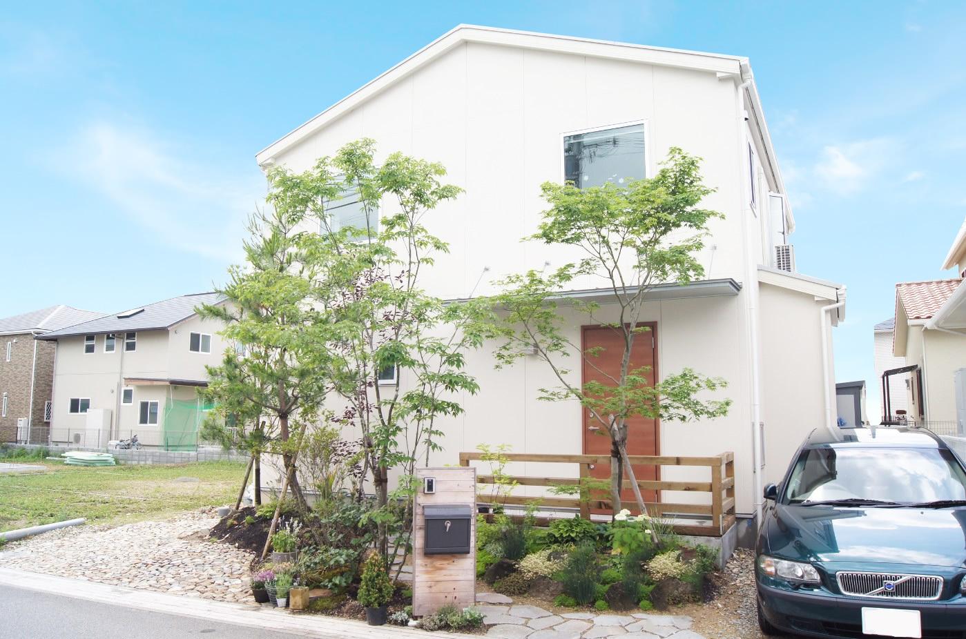 神戸の工務店 あんじゅホーム【施工事例】無垢の床、スチール階段、大きな窓がある家
