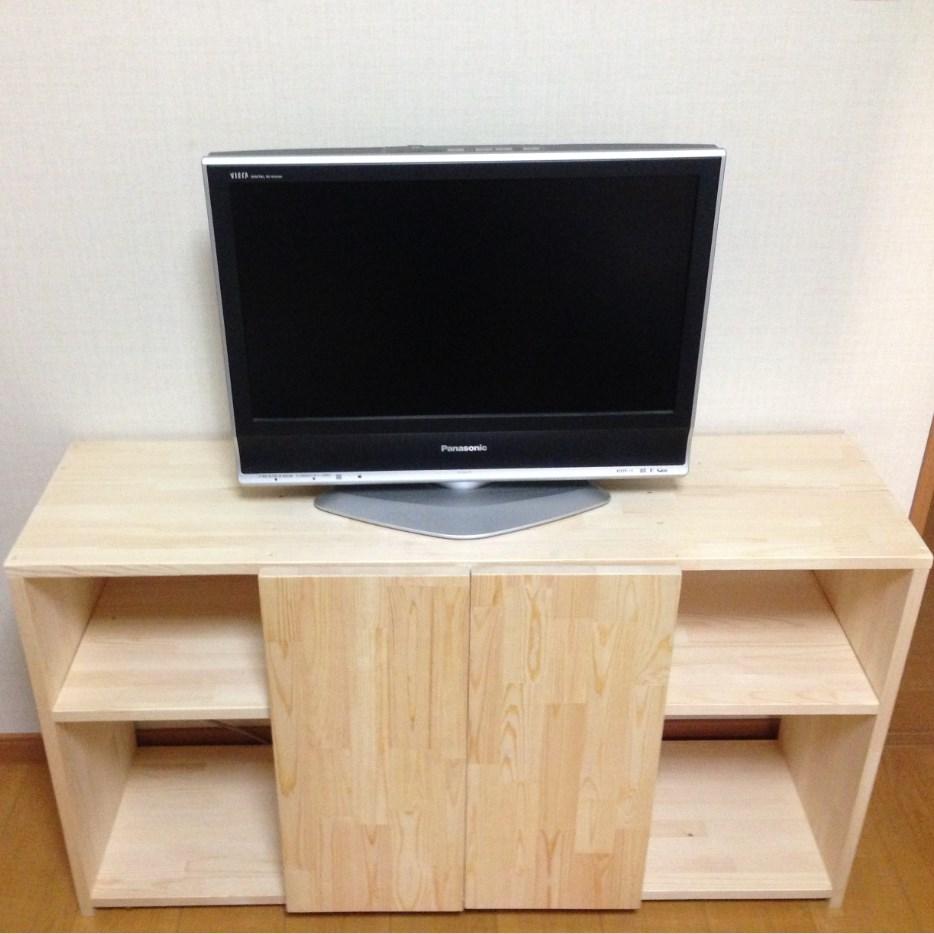 初めて自分で作ったテレビ台です。